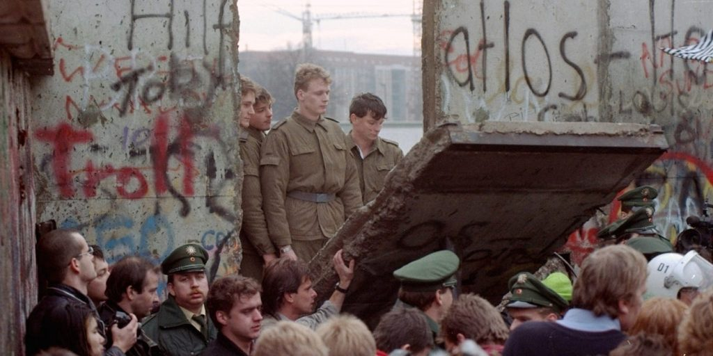 Berlin wall tennis pandemic